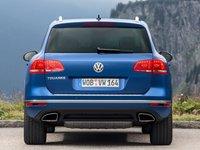 Volkswagen Touareg 2015 poster