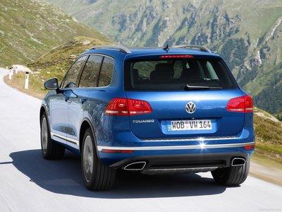 Volkswagen Touareg 2015 poster #1316333
