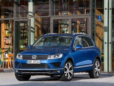 Volkswagen Touareg 2015 poster #1316338