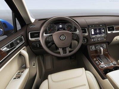 Volkswagen Touareg 2015 poster #1316355