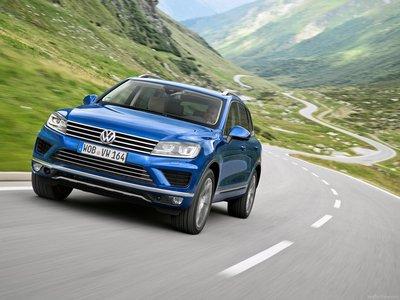 Volkswagen Touareg 2015 poster #1316359