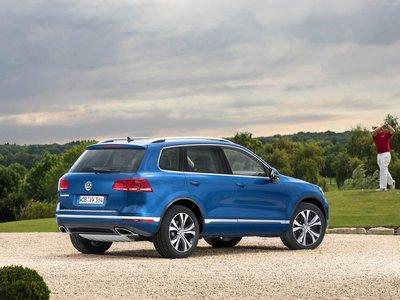 Volkswagen Touareg 2015 poster #1316370