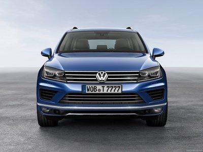 Volkswagen Touareg 2015 poster #1316377