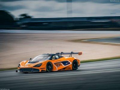 McLaren 720S GT3 2019 poster #1359216