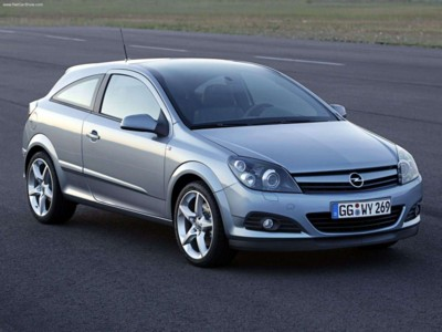 Opel Astra Gtc With Panoramic Roof 2005 Poster 517755