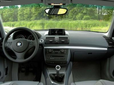 BMW 120i 2005 poster #525674 - PrintCarPoster.com