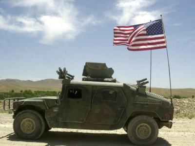 Hummer Humvee Military Vehicle 2003 Poster 576586 Printcarposter