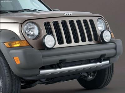 Jeep Liberty Renegade 3.7 2005 poster #578770